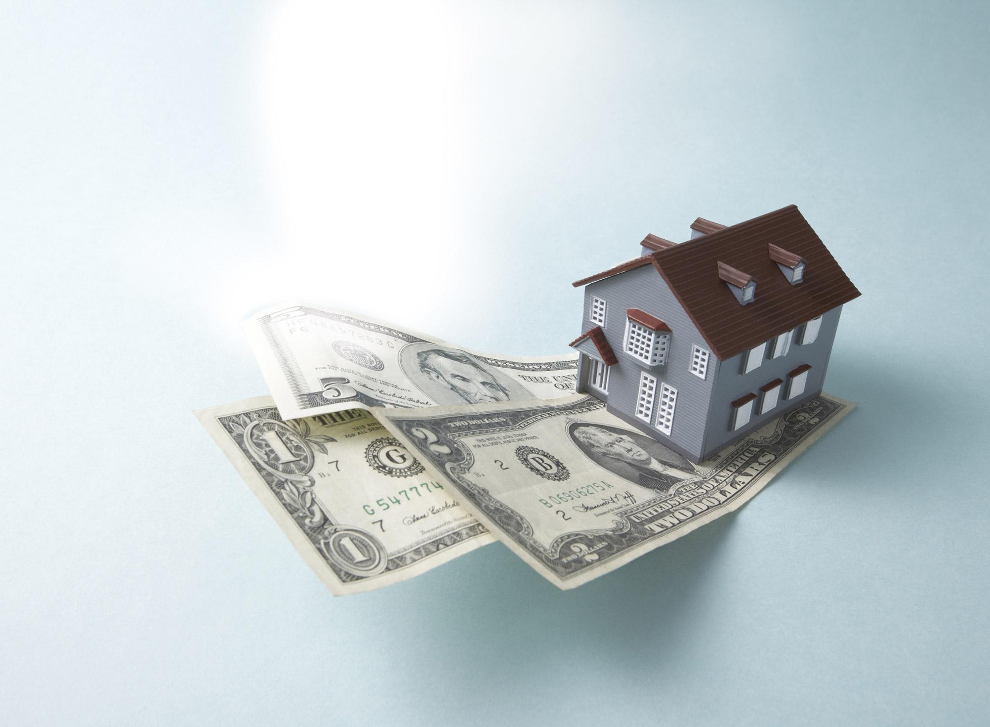 money_house_bills